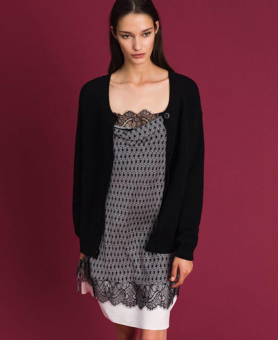 Cardigan-Pullover mit Herz Zweifarbig Schwarz / Schneeweiß Frau 192TP3320-05