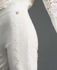 Hose in Croppedlänge mit Spitze Weiß Schnee Frau 192TT2210-03