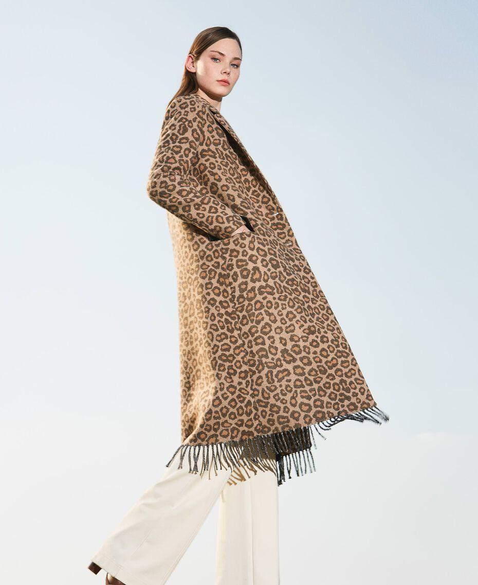 Manteau en drap jacquard animalier Jacquard Animalier Beige Noisette / Tabac Femme 202TT213A-01