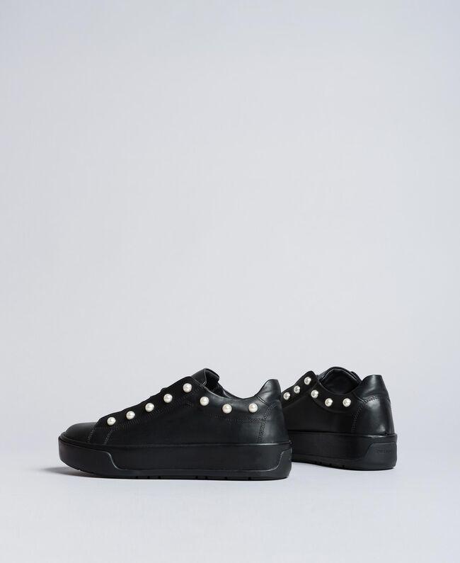 Sneakers aus Leder mit Zierperlen Schwarz Frau CA8PBU-03