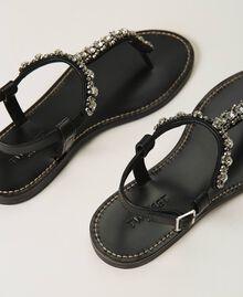 Sandales plates avec chatons et strass Noir Femme 211TCT044-04