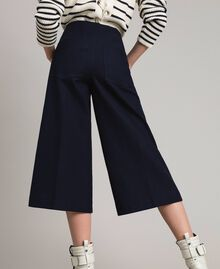 Cotton cropped trousers Deep Blue Woman 191TP2230-02