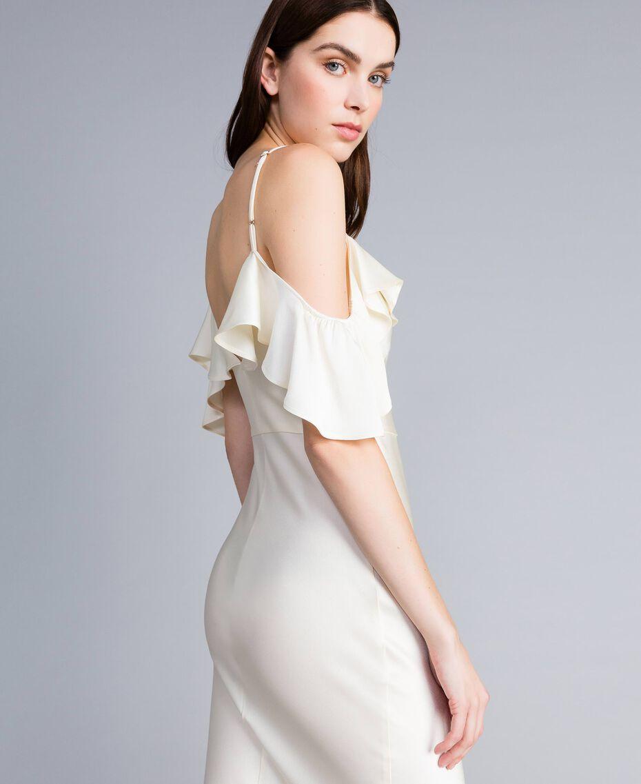 Robe longue en envers satin avec ruches Blanc Neige Femme TA8243-06