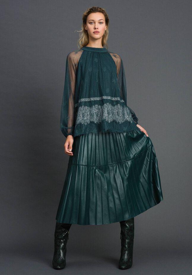 Bluse aus Chantillyspitze