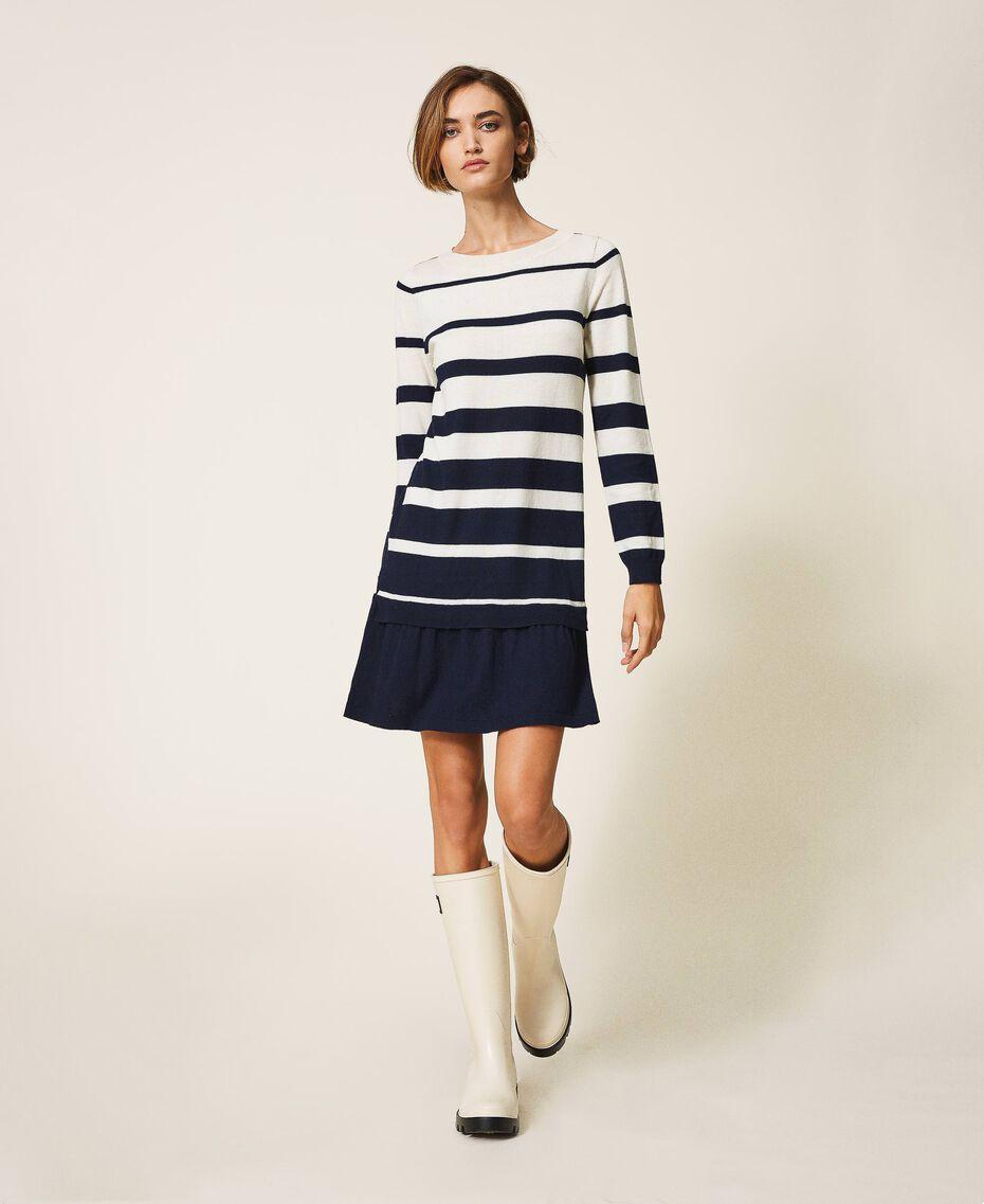 Трикотажное платье в полоску Полосатый Синий космос / Белый Сахар женщина 202ST3012-02