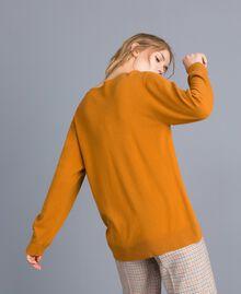 Maxi pull en laine mélangée avec broderie Broderie Ocre Foncé Aiguilletée Femme TA83JG-03