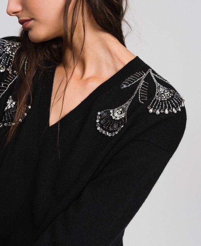 Kleid aus Wolle und Kaschmir mit Stickereien und Unterkleid Schwarz Frau 192TP3331-04