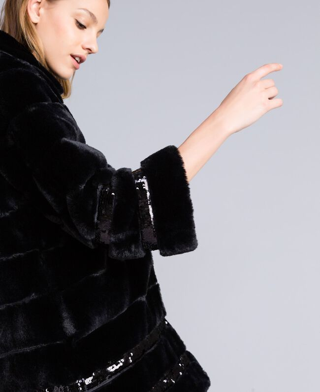 Manteau en fausse fourrure et paillettes Noir Femme PA82KB-04