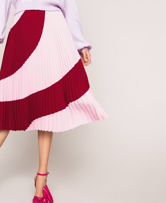Pleated crêpe de Chine midi skirt