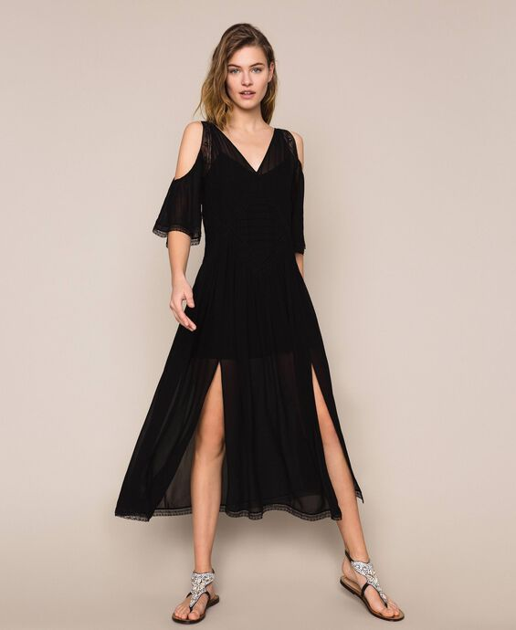 Georgette long dress with embroideries and lace