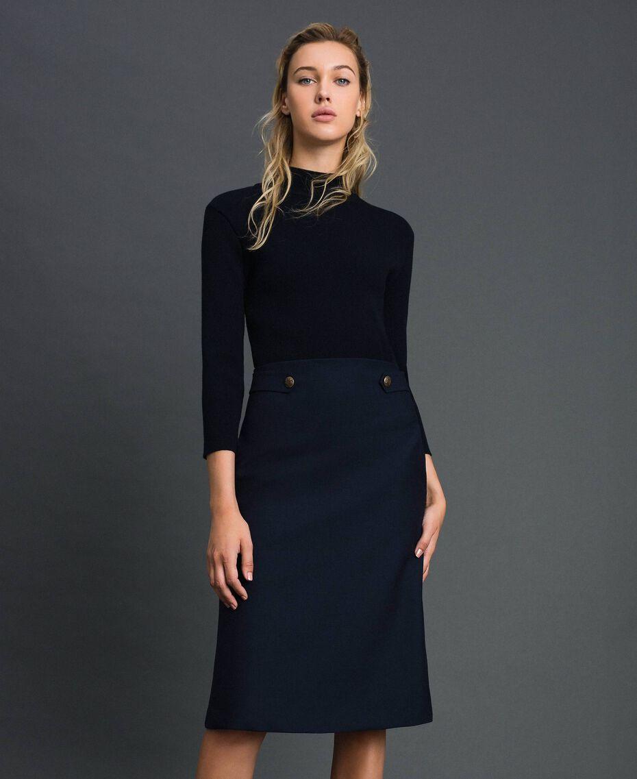 Kleid aus geripptem Gestrick und technischem Wollgewebe Midnight-Blau Frau 192TT3282-01