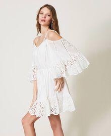 Robe Meknes épaules dénudées en mousseline avec broderie anglaise Off White Femme 211TT2701-05