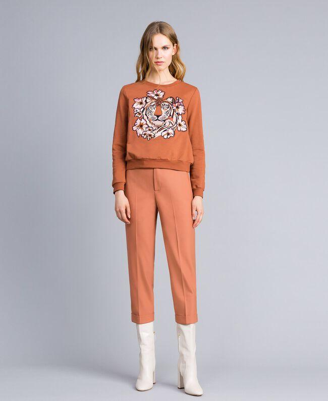 Sweatshirt aus Baumwolle mit Stickerei Erdbraun Frau TA82ZA-0T