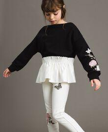 Baumwoll-Pullover mit Satin-Volant Zweifarbig Schwarz / Off White Kind 191GJ2401-02