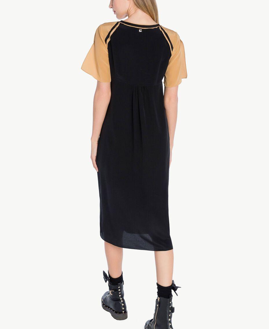 Kleid aus Seide Honigbeige / Schwarz PA72FQ-03