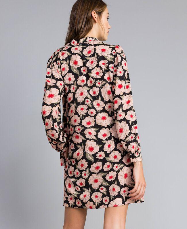 "Kleid aus bedrucktem Crêpe de Chine Print ""Wind Flower"" Karamell / Schwarz Frau YA82FN-03"