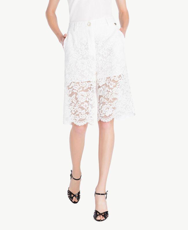 Shorts aus Spitze Weiß Frau TS828T-01