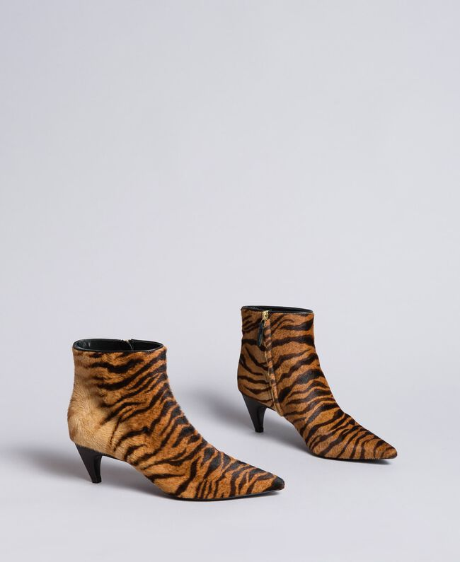 Animal print ankle boots Tiger Print Woman CA8TEC-03