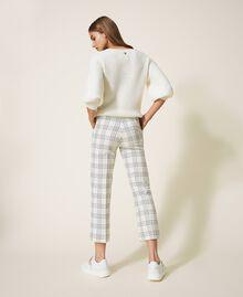 Pantalon cropped en laine mélangée à carreaux Carreaux Bicolore Blanc «Neige» / Noir Femme 202TP254C-04