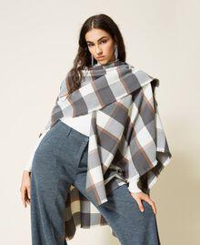 Poncho en drap jacquard à carreaux Carreaux Gris Chiné / Blanc «Lait» Femme 212AA4062-04
