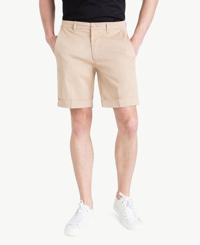 Cotton Bermuda shorts Beige Porcelain Man US824P-01