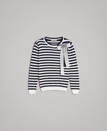 Gestreifter Pullover aus Kaschmirmischung Zweifarbig Streifen Dunkelblau / Schnee Frau 191TP3361-0S