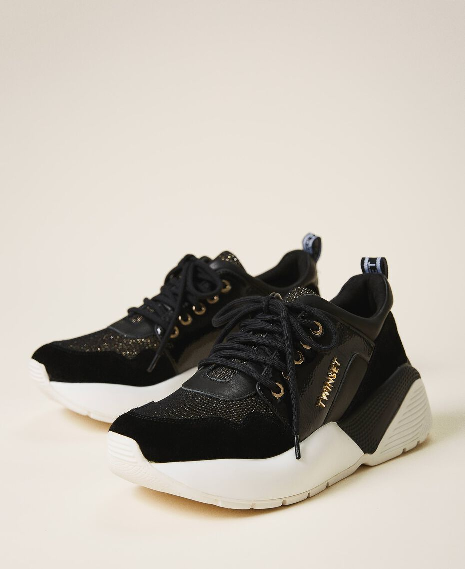 Running shoes with logo Black Woman 202TCP036-02