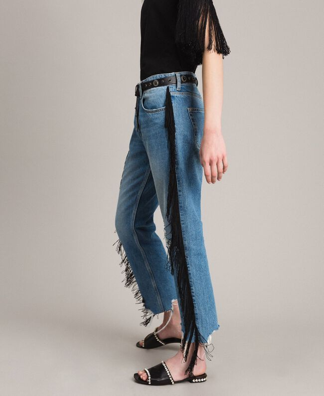 "Boyfriend jeans with floral patch and fringes ""Mid Denim"" Blue Woman 191TT2510-04"