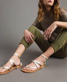 Sandales en cuir laminé avec lanières Platine Femme 191TCT09W-0S