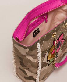 Cabas en toile avec patch et franges Imprimé Camouflage / Rose Sauvage Femme 201MO8040-04