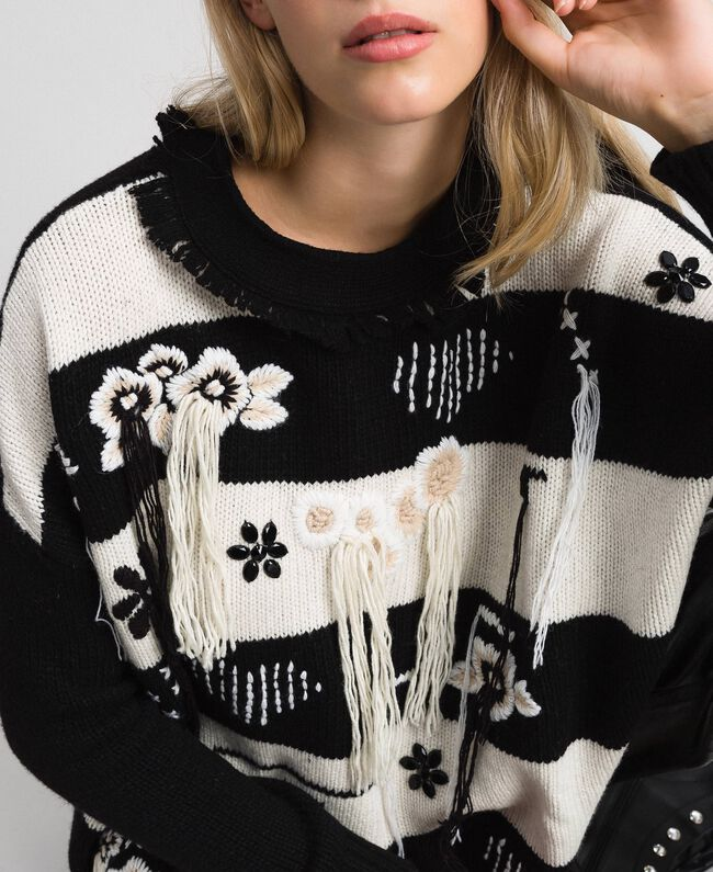 "Two-tone jumper with fringes and embroideries Bicolour ""Snow"" White / Black Woman 192TT3371-04"
