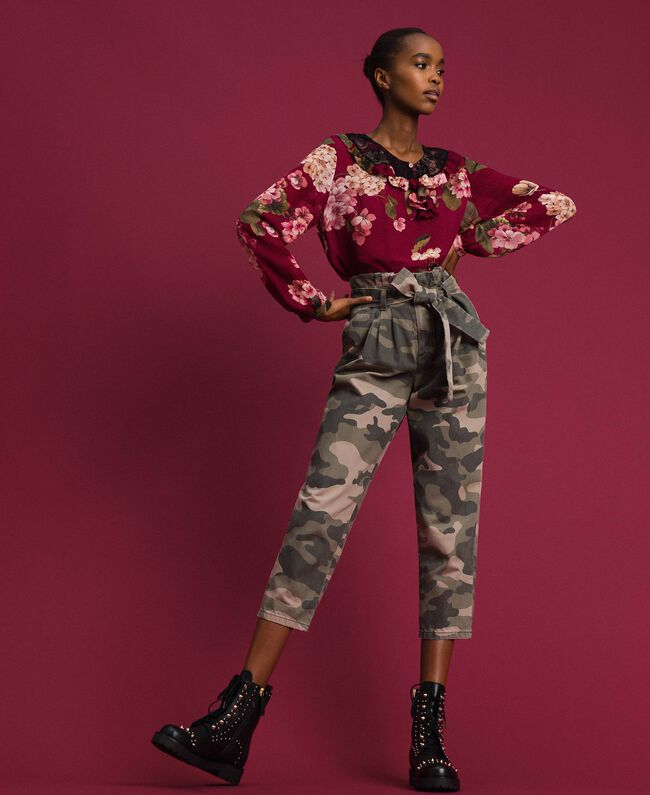 Pantaloni cropped camouflage Stampa Camouflage Donna 192TP2050-01