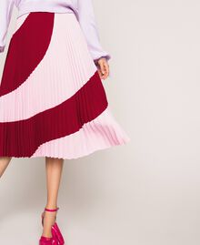 """Pleated crêpe de Chine midi skirt Two-tone """"Crimson"""" Red / """"Candy"""" Pink Woman 201ST2013-01"""