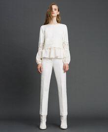 Hose in Croppedlänge mit Spitze Weiß Schnee Frau 192TT2210-02