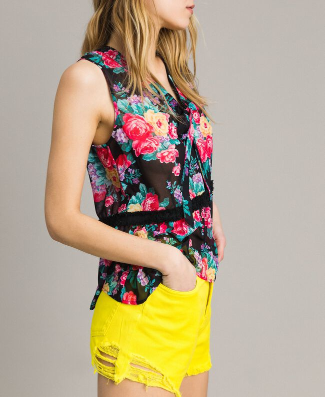 Cotton shorts with ripped details Fluorescent Yellow Woman 191MT2191-03
