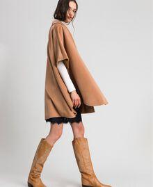 Cape en panne de velours Beige «Camel Skin» Femme 192LI2DDD-02