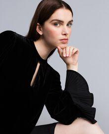 Robe en velours avec plissé Noir Femme TA828P-01