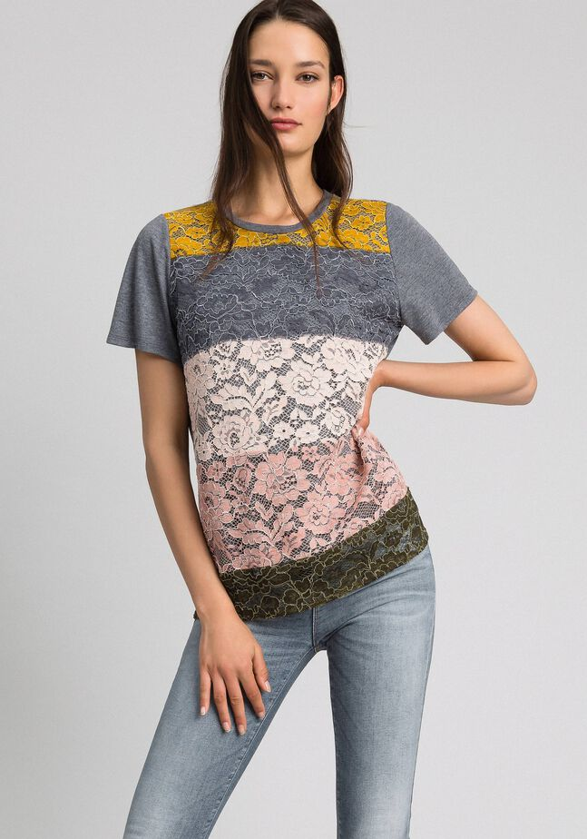 T-shirt with colour block lace