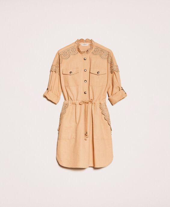 Парусиновое платье с вышивкой сангалло