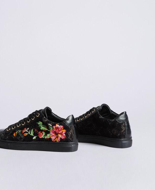 Sneakers aus Spitze und Leder mit Stickerei Schwarz Frau CA8PBN-03
