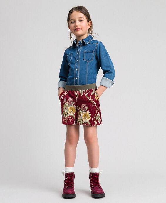 Shorts in broccato a fiori
