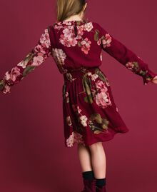 Kleid aus Georgette mit Blumenprint Print Rote-Bete-Rot Geranie Kind 192GJ2592-04
