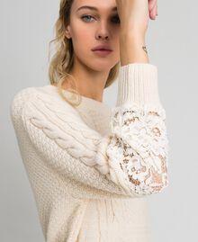 Robe en laine mélangée avec mélange de points et dentelle Blanc Crème Femme 192ST3051-01