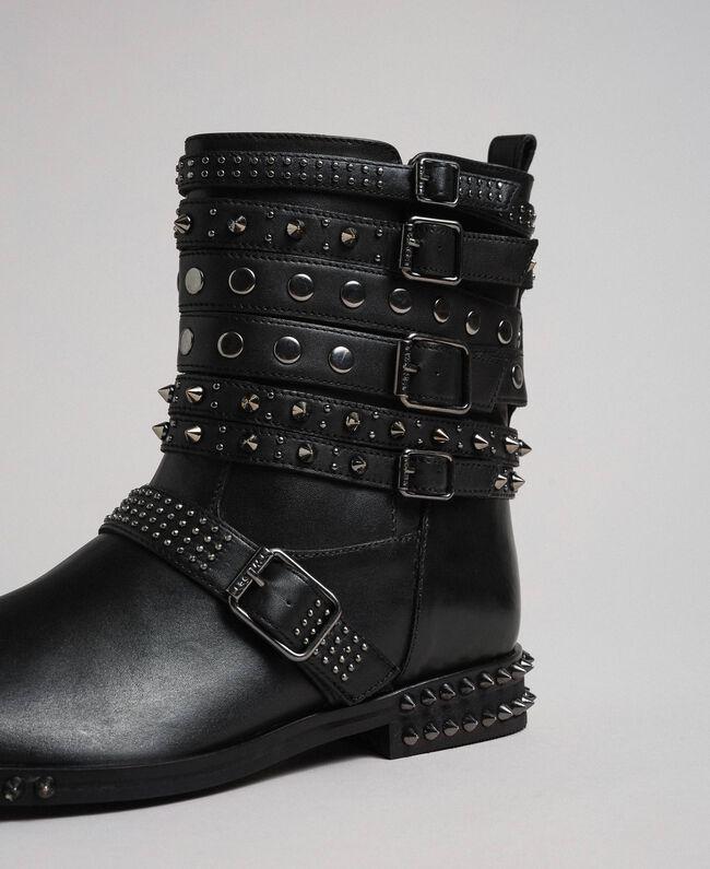 Кожаные байкерские полусапожки с ремешками и заклепками Черный женщина 192TCP01Q-04