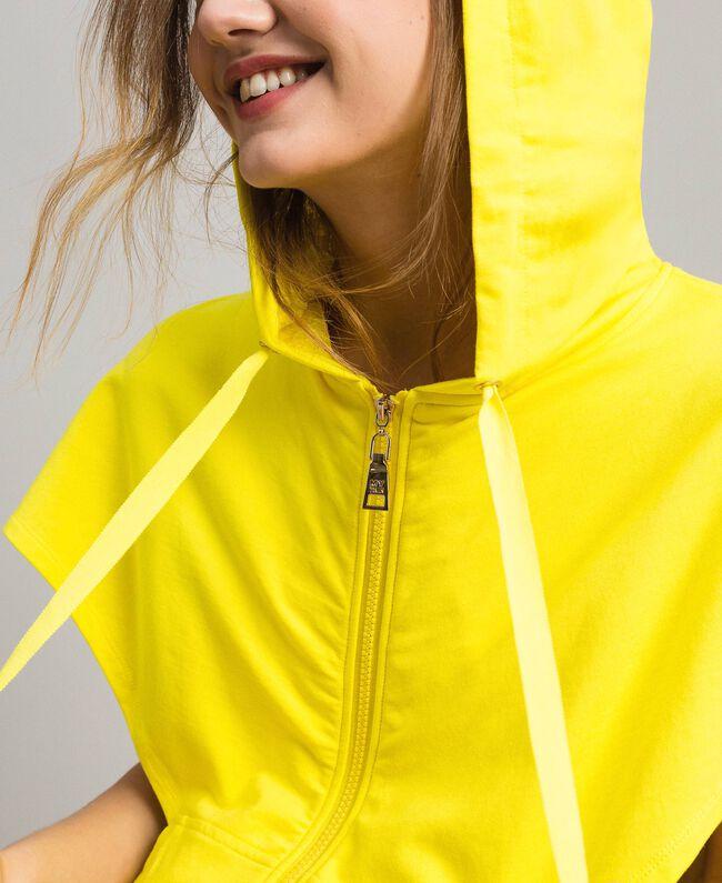 Sweatshirt mit Kapuze und Reißverschluss Neongelb Frau 191MT2342-04