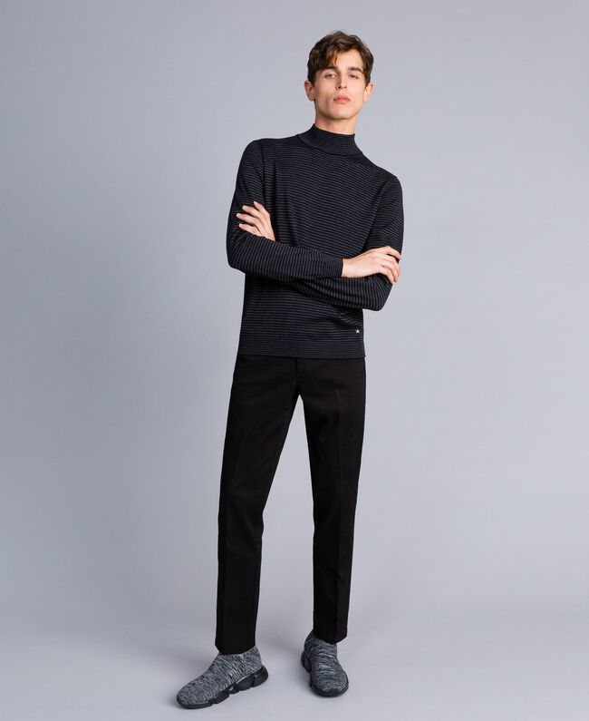 Pantalón de gabardina de algodón Negro Hombre UA82CN-01