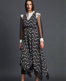 "Floral and chevron print long dress Black / ""Snow"" Chevron Print Woman 192TP2526-02"