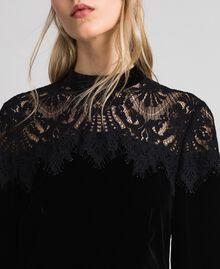Kleid aus Samt mit Spitze Schwarz Frau 192TT2424-04