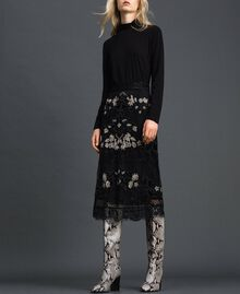 Plumetis tulle skirt with floral embroidery Black Woman 192TT2044-02
