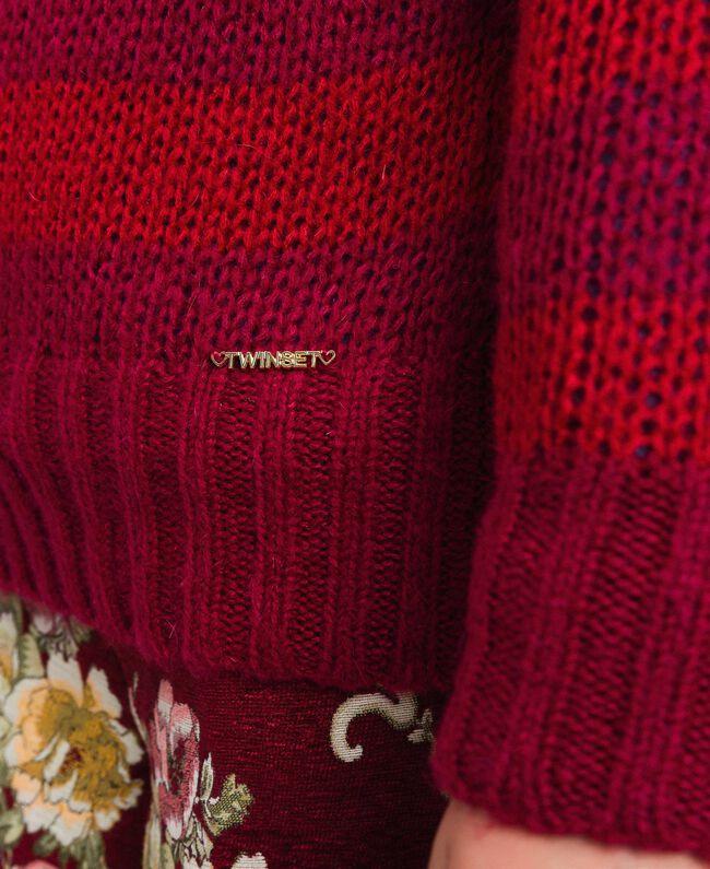 Zweifarbig gestreifter Pullover aus Mohair Jacquard Streifen Weinrubinrot / Rot Kind 192GJ3220-04